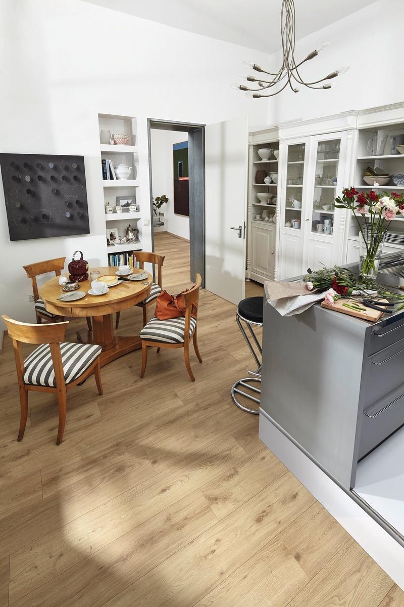 rev tement de sol stratifi sol am nagement int rieur. Black Bedroom Furniture Sets. Home Design Ideas